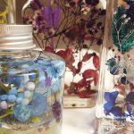 瓶の中に詰まった美しい植物標本・ハーバリウムの魅力と作り方